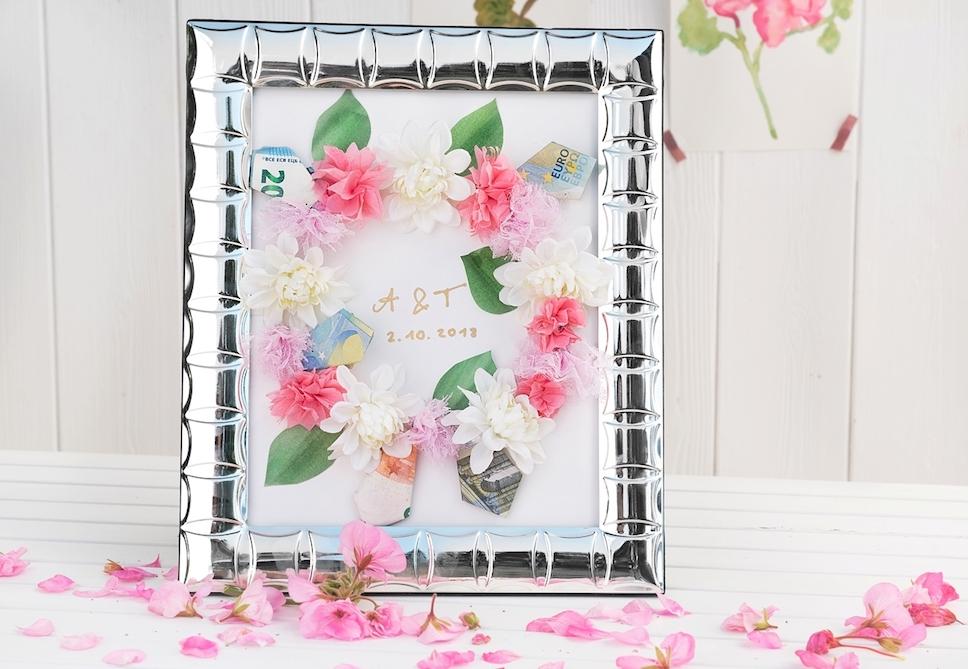 Kreatives Hochzeitsgeschenk Blumenkranz Aus Papierblumen Geldscheinen